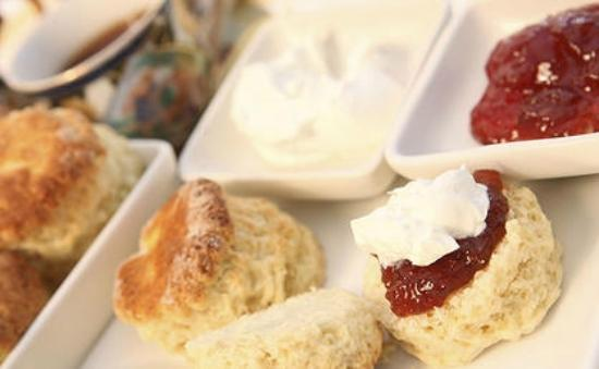 Hilltop Inn & Suites: Scones with Jam and Devonshire Cream for Tea Ceremonies