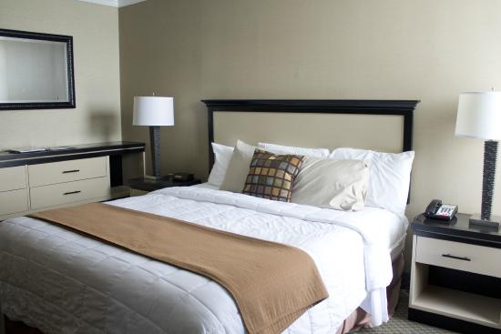 Seaport Inn and Marina: King Bed - Premier