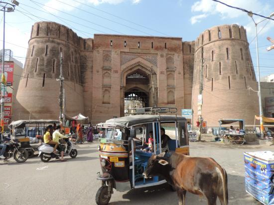 Hansi, India: Barsi gate