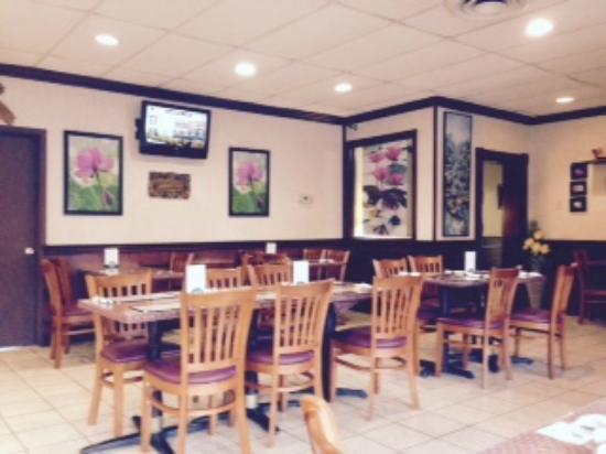 Thunwa Thai Cuisine: Dining Area