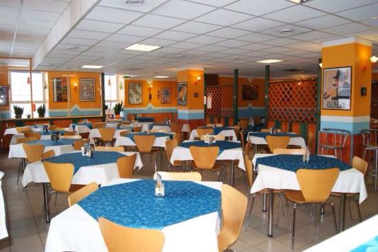 Attimo: Приятное, уютное место с отличной итальянской кухней! Наивкуснейшая пицца!!! Большой выбор италь