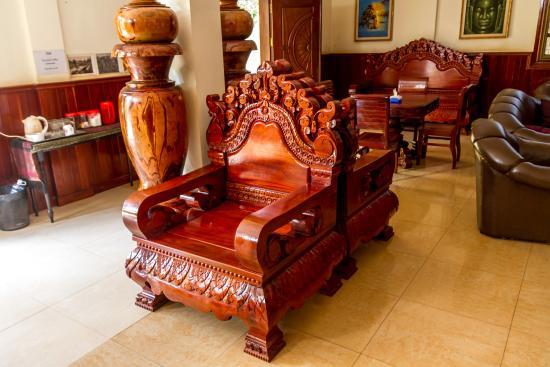 Siem Reap Holiday Garden Villa: Cool looking chair
