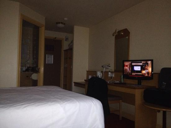 Days Inn Tewkesbury Strensham: Room