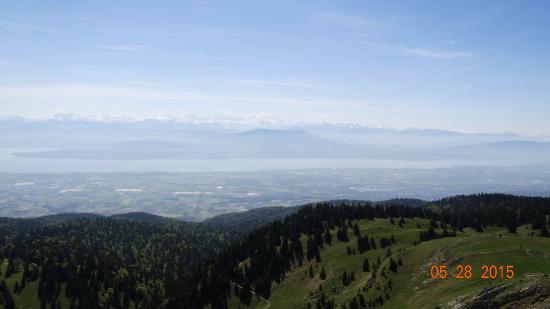 Premanon, Francia: vue du massif des alpes & Mont-Blanc vue du belvédère la dole