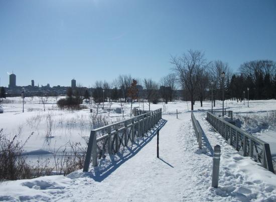 c2fc418b7b057b Cartier-Brebeuf National Historic Site   Été comme hiver, sentiers  pédestres, Parc Cartier