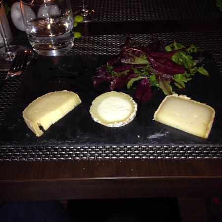 Restaurant L2 : Les fromages de Régis et Sandrine Moreau  Belle présentation pour un bon produit