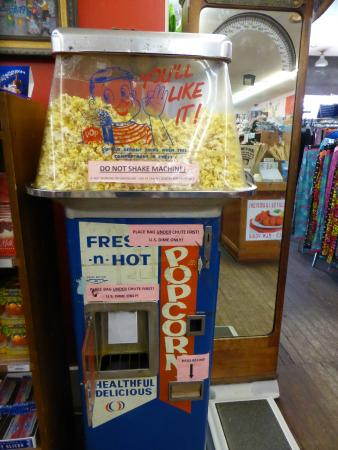 Vidler's 5 & 10: pop corn?