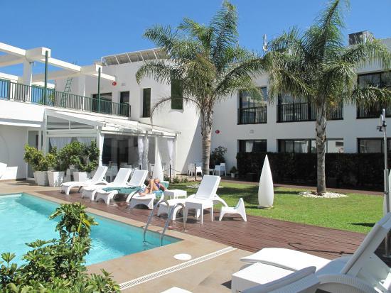 Hotel L'Algadir del Delta : H-otel vu de la piscine