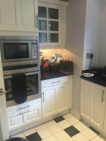 Beaufort House: kitchen