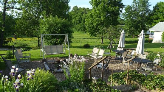 Garden Gate Get-A-Way Bed & Breakfast: Tranquil scenery