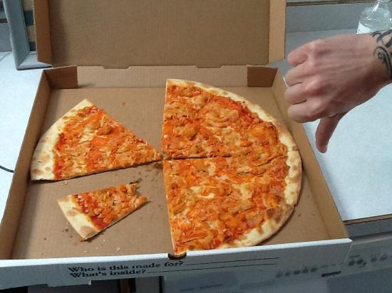 Spicy Pie: This is the buffalo chicken pizza we ordered.
