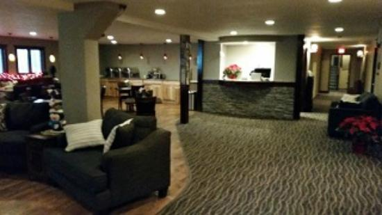 Rib Mountain Inn: Lobby Newly remodeled in 2015
