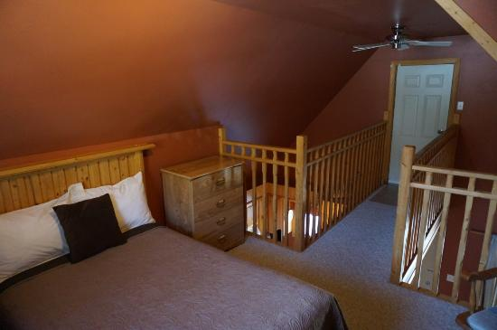 Middlebrook Cottages: Upstairs Bedroom