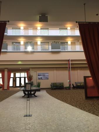Embassy Suites by Hilton Brunswick : photo0.jpg
