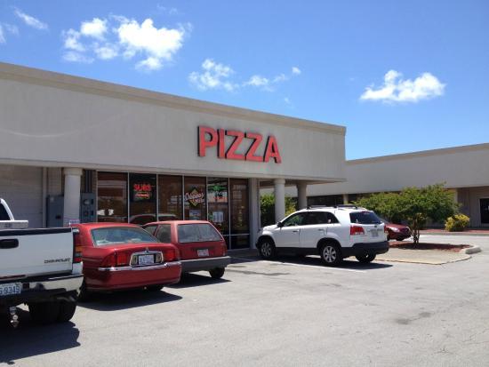 Crispino's Pizza: Exterior