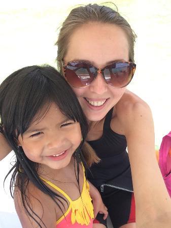 Pa-Lao-Yu Dive Resort El Nido: Дочка моего дайв мастера. Очень умная и прекрасно говорит на англ в свои 6 лет. Скучаю по ним)