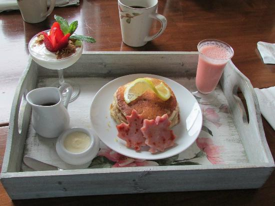 Ocean Mist Guesthouse: Breakfast!