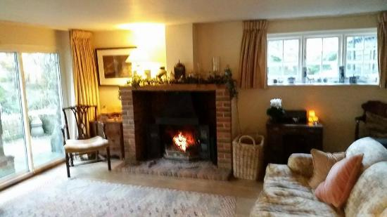 West Tytherley, UK: Welcoming Fire