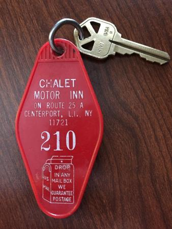 Chalet Inn & Suites: Room Key