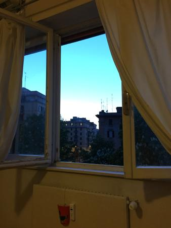 Bed & Breakfast Testaccio: View from bed