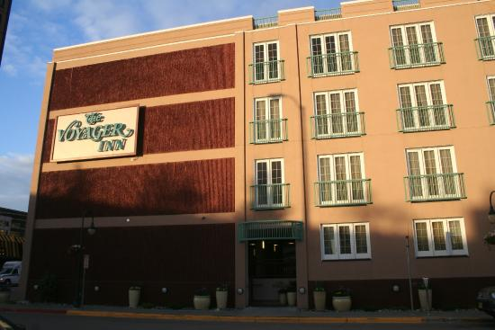 The Voyager Inn: Front of Hotel