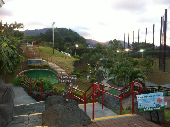 Bay View Mini-Putt And Zipline: Bay View Evening