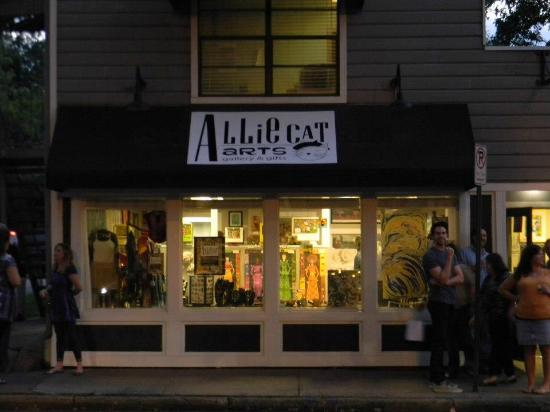 Cooper-Young Historic District: Allie Cat Arts, 961 S. Cooper - Eclectic gallery/gift shop featuring local artists