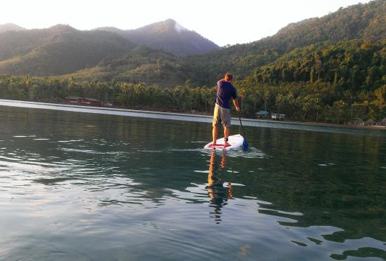 Amber Sands Beach Resort: Calm enough sea for a stand up paddleboard