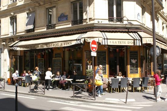 Place du chatelet vue sur la tour saint jacques picture for Hotel 11 arrondissement paris