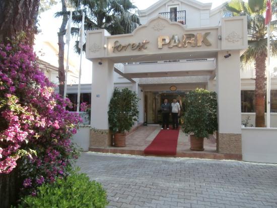 Forest Park Hotel : Front entrance