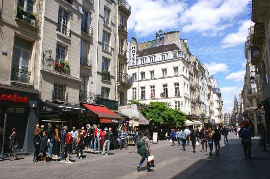 Les halles boutiques rue saint denis photo de 1er arrondissement paris t - Les halles boutiques ...