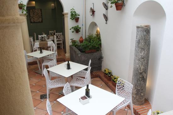 Gourmet Iberico: Patio 1