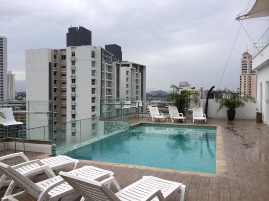 15th floor roof pool terrace picture of best western for Western pool show 2015