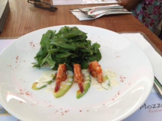 a salada não é farta , pede um segundo prato!