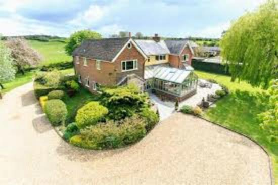 Knaptoft House Farm & The Greenway