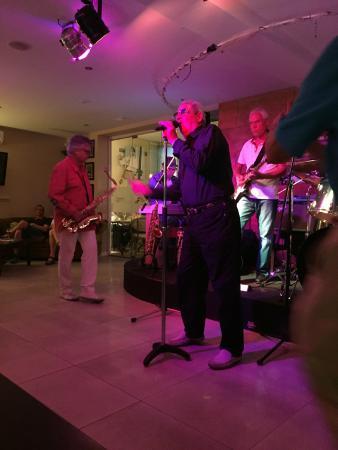 Aroma: A Tuesday night jam session