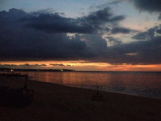 Mirage Sunset Bar: photo0.jpg