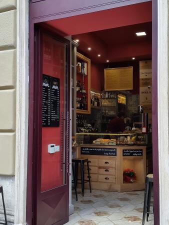 Via Cola di Rienzo: Vino e Focaccia nuovo locale Wine bar a Piazza Cola di Rienzo