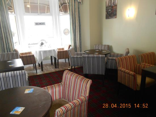 The Glenroy Hotel: Bar area
