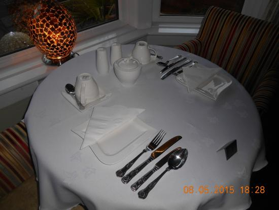 The Glenroy Hotel: Dining table