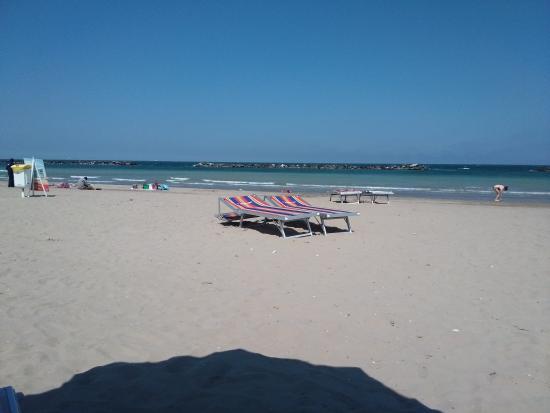 Spiaggia picture of bagno arcobaleno lido adriano - Bagno corallo lido adriano ...