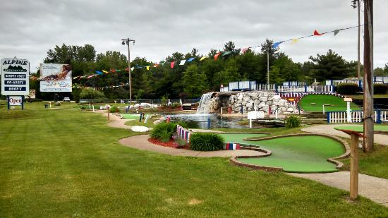 Birch Run, MI: Alpine Mountain Golf