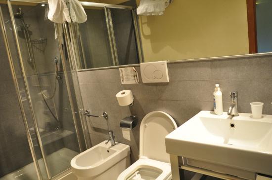 Rovati Guest House: ванная комната