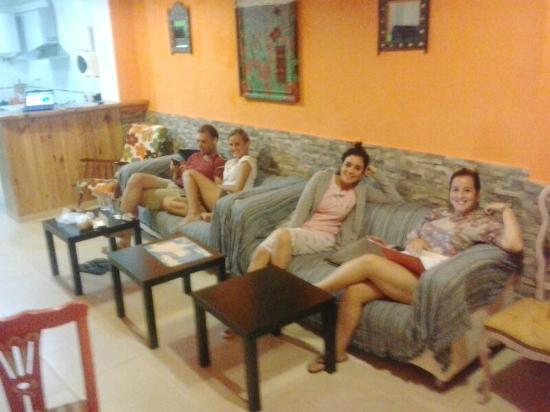 De Cadiz Cadi Hostel
