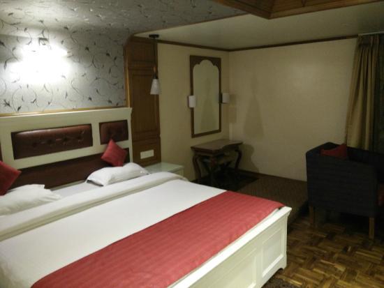 Hotel Sunflower: Room