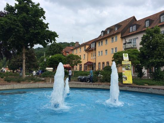 Bronnbacher Hof: Hotel entrance
