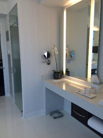 clean shower and second vanity picture of aria sky suites las vegas