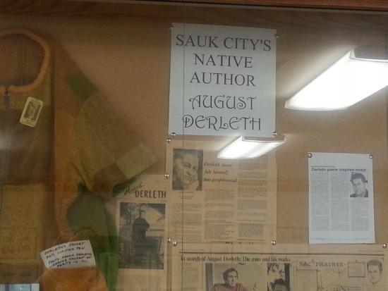 Sauk City, WI: Local author historical display inside motel