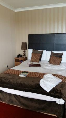 Cliffemount Hotel: room