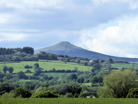 Llansantffraed Court: Sugar Loaf Mountain, Abergavenny, view from a room